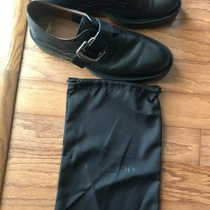 Givenchy mens buckle shoe